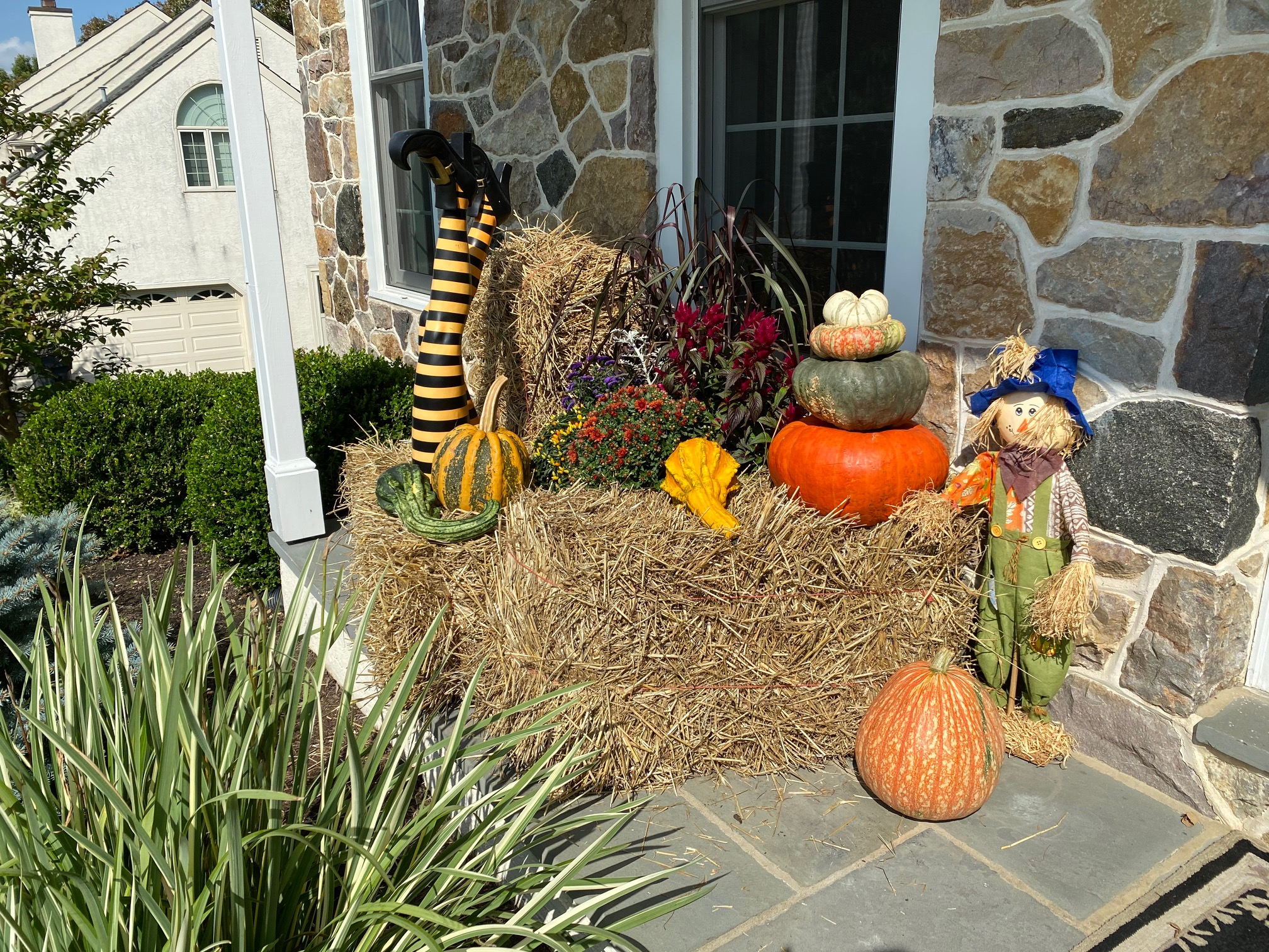 Front Entrance Seasonal Holiday Decor-Doyle & McDonnell - Fall 2020